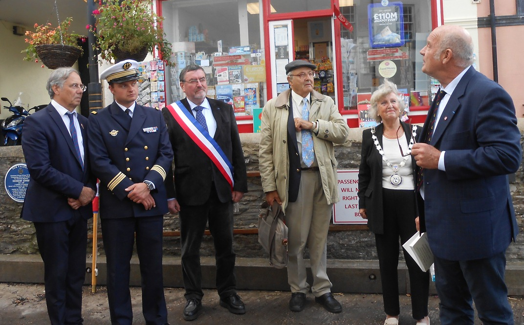 Kingswear welcomes relatives of those who served with the 23rd MTB