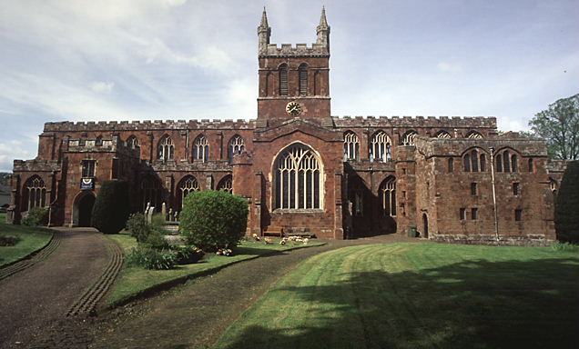 Rector wanted for the united benefice of Crediton, Sandford with Upton Hellions and Shobrooke
