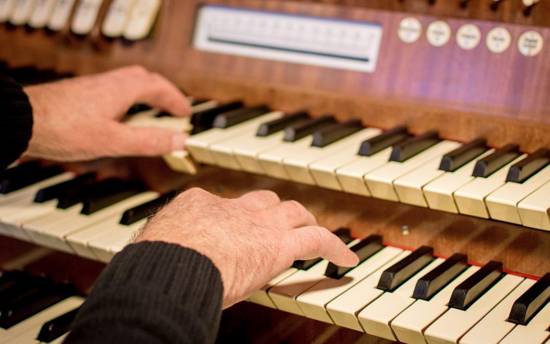 Organist/Choir Director